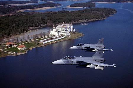 """jas-39""""鹰狮""""战斗机是瑞典航空航天工业集团saab公司研制高清图片"""