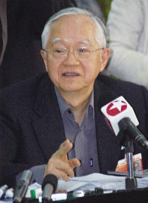 吴敬琏10年纵论股市 中国股市很像一个赌场