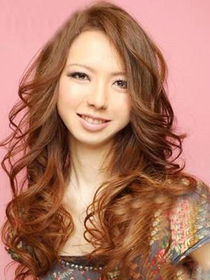 秋季气质长卷发 打造魅惑性感美女-卷发,流行,
