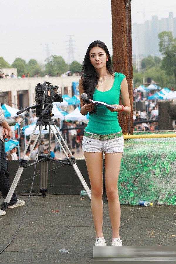 高清图:艾尚真被称中国第一黄金比例美女 网络