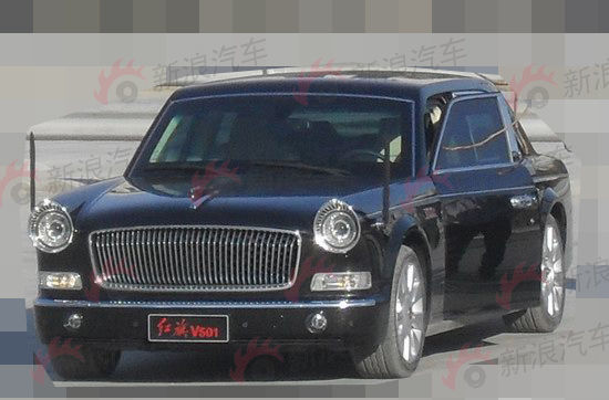 全新红旗l7,车身尺寸比l9更为紧凑,也将更多的偏重民用市场的高清图片