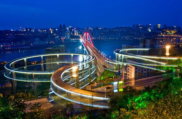 中环线是天津市第一条城市快速主乾道,设计车速为每小时60公里.