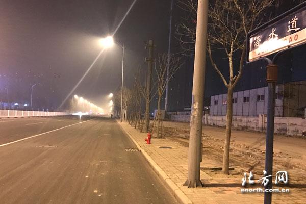 天津這條路路燈竟然『失明』10餘年 咋回事兒?