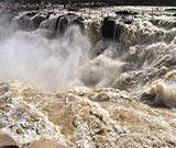 黃河壺口現百米瀑布群 磅礡水霧形成壯美彩虹