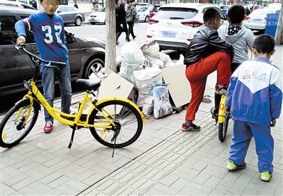 共享单车逐渐普及违法骑行与日俱增 都需要自