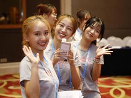 青春飛揚 志願護航 志願者成為最美風景線
